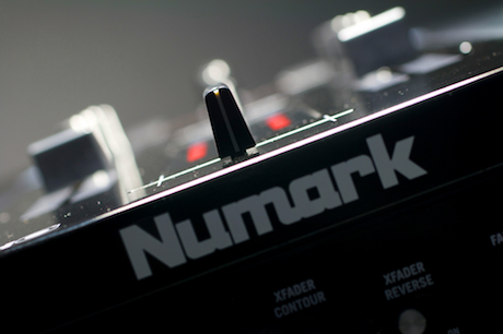 Numark NS7 review Serato ITCH